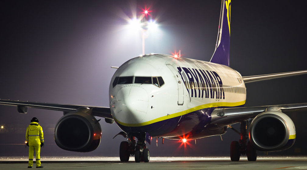 ryanair-night-shift-workers-excel-baggage-handler